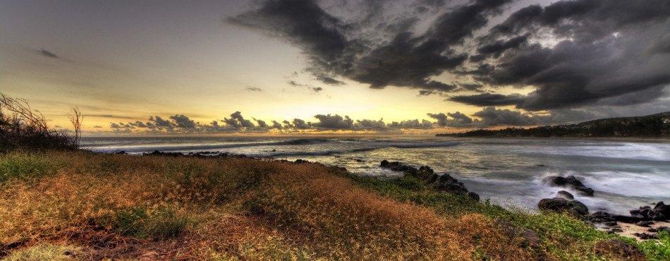 Coucher de soleil sur la plage de 3 bassins à la Réunion